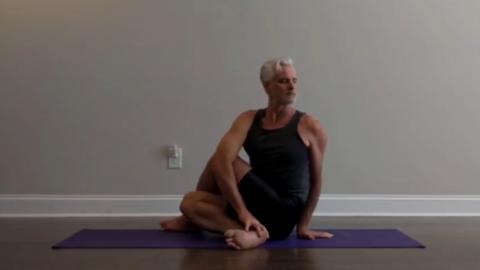 Yoga Adha Matsyendrasan 3 Apr 2020
