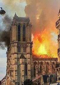 vv20191106-2Notre Dame Fire